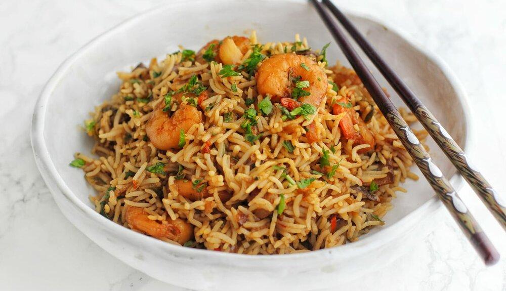 Scampi wok met rijst en trostomaatjes